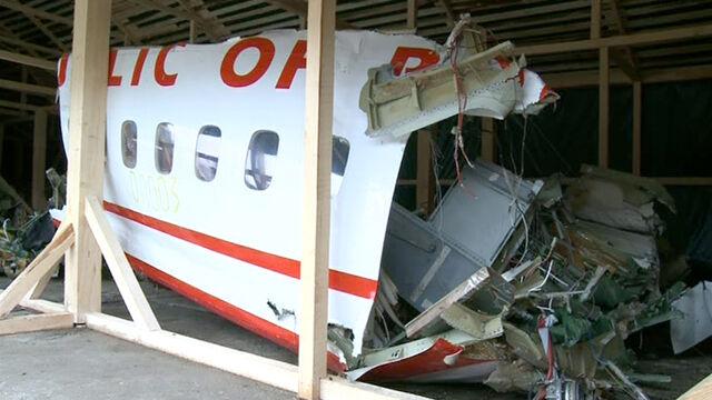 Biegli pobiorą próbki z foteli Tu-154. Macierewicz: umożliwić udział rodzinom
