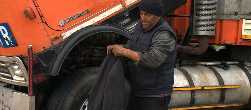W Polsce zepsuła się jego ciężarówka, ale Irańczyk wróci do domu nową. Sukces zbiórki