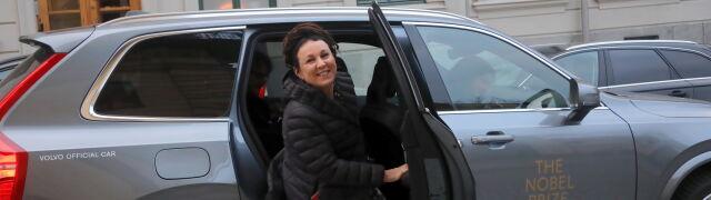 Olga Tokarczuk odbierze dzisiaj Nobla. Transmisja na TVN24 i tvn24.pl