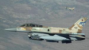 Izrael straszy Iran.