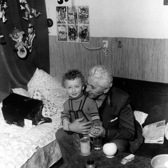Zbyszko Siemaszko z wnukiem Filipem