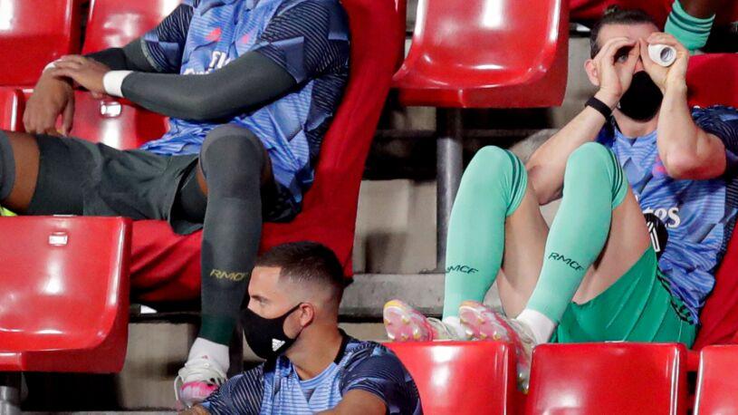 """Gareth Bale znów dał popis na ławce rezerwowych. """"Nie ma poczucia wstydu?"""""""