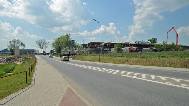 Budują estakadę Pomorskiej Kolei Metropolitalnej. Utrudnienia przy lotnisku