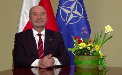 """""""Polska jest bezpieczna"""". Macierewicz składa świąteczne życzenia"""