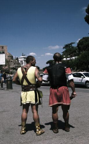 ca6caf7a Zdjęcie z gladiatorem koło Koloseum można mieć za około 15 euro (fot/sxc.hu)