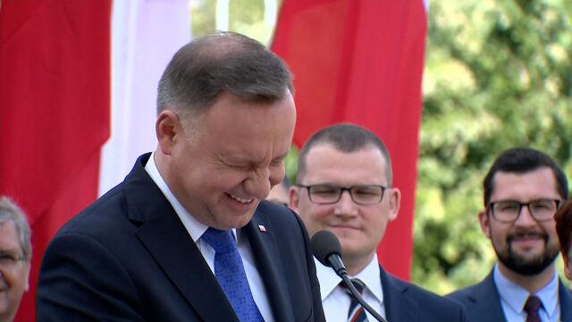 Żart prezydenta wygrał z fetą jak z komedii Barei. Najciekawsze wideo tygodnia w tvn24.pl