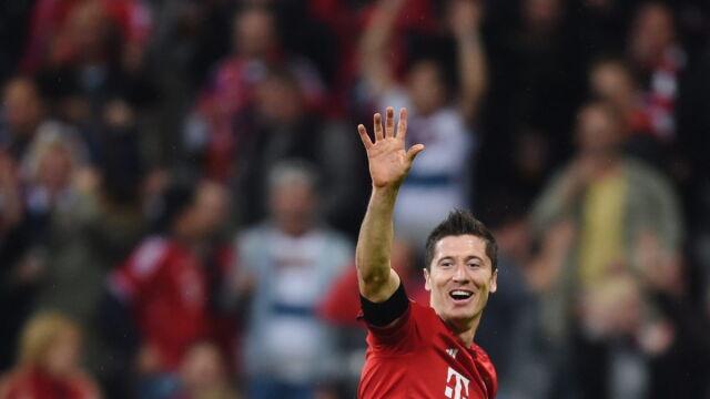 KAPITALNY Lewandowski! Pięć goli w dziewięć minut. I to wszystko w hicie Bundesligi!
