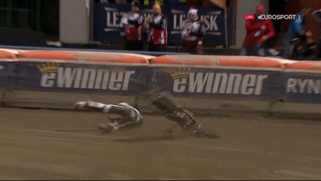 Upadek Kołodinskiego w 17. biegu finału w Krośnie w mistrzostwach świata juniorów