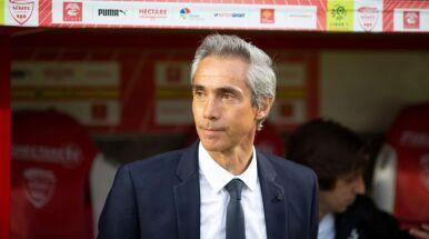 Zrezygnował z etatowego obrońcy, zaufał młodzieży. Sousa zaskoczył