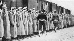 Bolszewiccy jeńcy pojmani przez Amerykanów. Archangielsk, 1918 rok