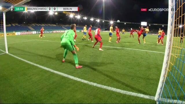 Puchar Niemiec. Eintracht Brunszwik - Hertha 2:0. Gol samobójczy Maximilian Mittelstaedt