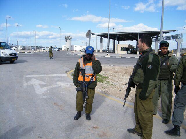 Segregacja w izraelskich autobusach. Netanjahu interweniuje