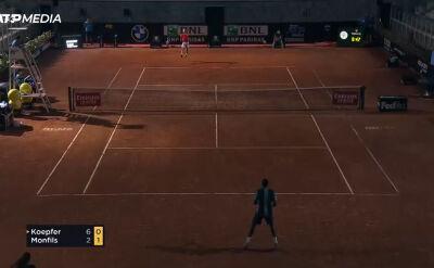 Koepfer pokonał Monfilsa w 2. rundzie turnieju ATP w Rzymie, awaria oświetlenia w drugim secie