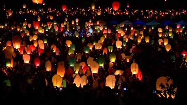 Tysiące lampionów poleciało do nieba