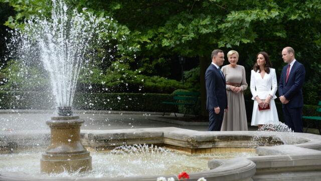 Wizyta pary książęcej. Spacer po ogrodach,  potem późne śniadanie w pałacu