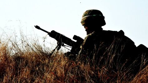 """""""Był zawodowym wojskowym. Nie pił alkoholu. Wersja losowego strzału wygląda na wątpliwą"""""""