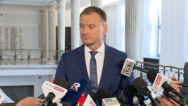 Nitras: marszałek Kuchciński każdego tygodnia korzysta z rządowego samolotu do celów prywatnych