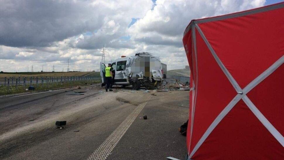 Dwóch drogowców zginęło na obwodnicy Suwałk. W ich samochód uderzyła ciężarówka