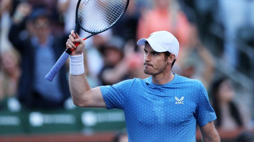 Prawie cztery godziny walki, dwie obronione piłki meczowe. Murray górą w tenisowej bitwie