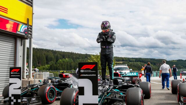 93. pole position Hamiltona. Wygraną zadedykował zmarłemu aktorowi