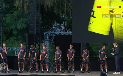 Michał Kwiatkowski i Ineos Grenadiers na prezentacji zespołów przed Tour de France 2020