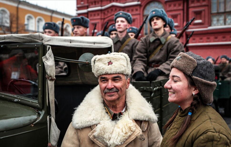 Uroczysta parada na Placu Czerwonym upamiętniła defiladę z 1941 roku