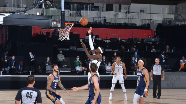"""""""Atmosfera jak w szkolnej sali gimnastycznej"""". NBA wróciła do gry"""