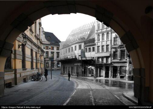 Brama cesarska - dziś i 111 lat temu