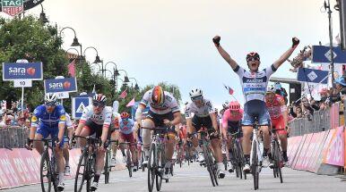 Pasjonująca ucieczka debiutanta. Włoch sensacyjnym zwycięzcą etapu Giro