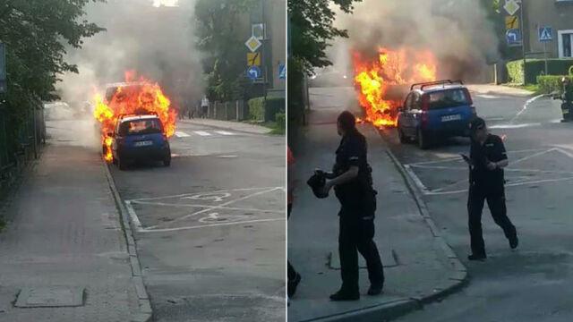 Pali się bus i za chwilę wybucha. A kobieta przestawia swoje auto