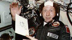 Aleksiej Leonow pierwszy wyszedł w przestrzeń kosmiczną