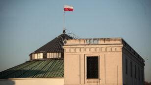 Najnowszy sondaż: w Sejmie nadal pięć ugrupowań