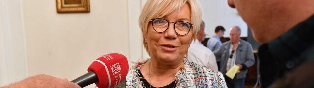 """Kolejne zarzuty wobec Przyłębskiej.  Z trybunału """"pozostał tylko adres"""""""