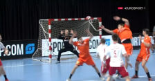 Świetna interwencja Korneckiego, później piękny gol Daszka w 1. połowie starcia z Holandią