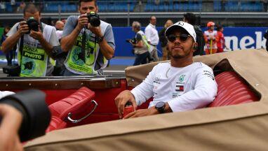 Siedmiokrotny mistrz świata F1 przedłużył kontrakt.