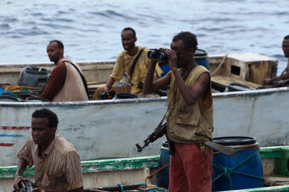 Barkhad Abdi (pierwszy z prawej)