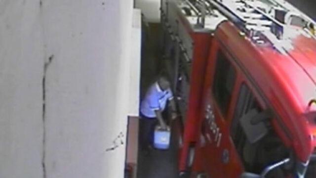 Komendant kradł paliwo.  Nagrali go podwładni