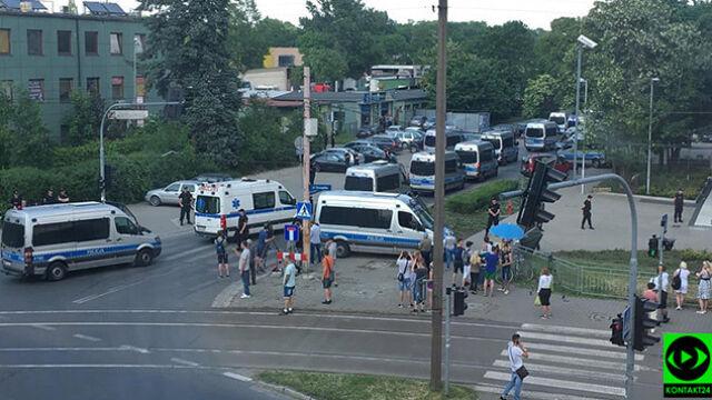 Podejrzewany o podłożenie bomby w autobusie zatrzymany. Szef MSWiA: dziękuję i gratuluję