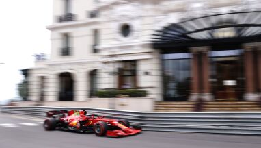 Wypadek nie przeszkodził Leclercowi. W Monako ruszy z pole position