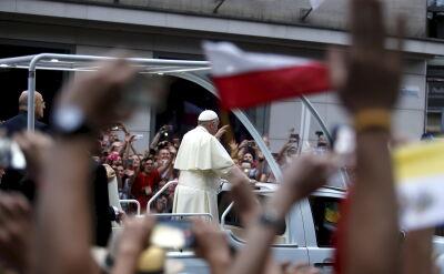 Papież po spotkaniu z biskupami udał się na Franciszkańską