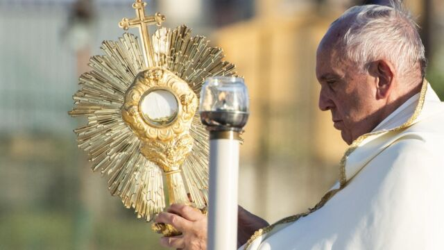 Papież mianował administratora w Lyonie. Arcybiskup skazany za tuszowanie pedofilii