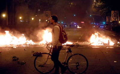 Starcia policji z separatystami w miastach Katalonii