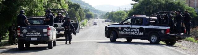 Ostrzelali policyjny konwój, zostawili ostrzeżenie. 13 ofiar ataku kartelu