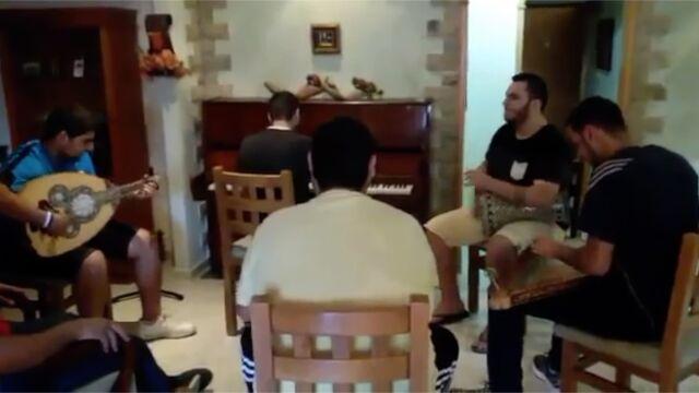 """Zagrali """"Dla Elizy"""" na arabskich instrumentach ludowych"""