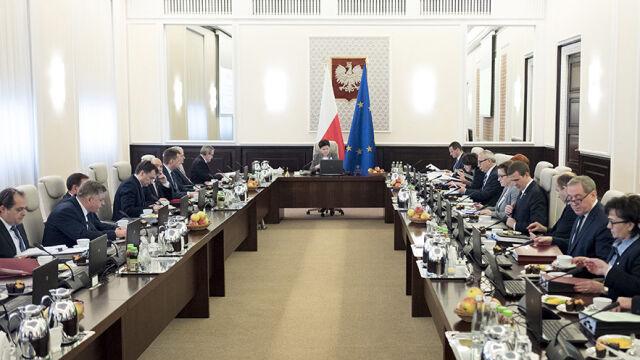 """Saryusz-Wolski zamiast Tuska? """"Oczekujemy od rządu skończenia tej intrygi"""""""