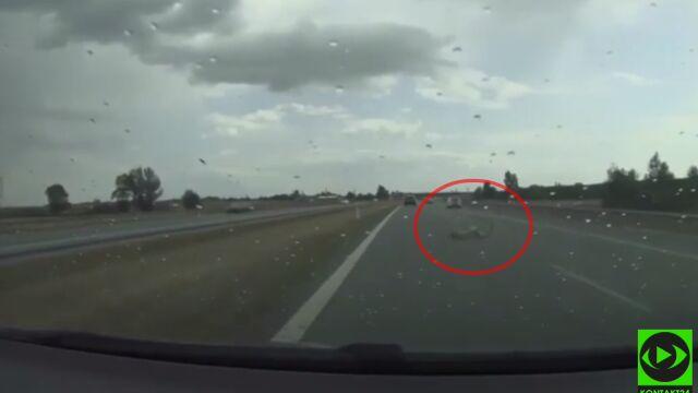 """Wiózł trzy rowery, jeden spadł na autostradę. """"To mogło skończyć się tragedią"""""""