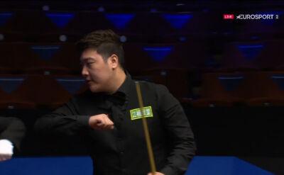 Yan Bingtao awansował do drugiej rundy mistrzostw świata