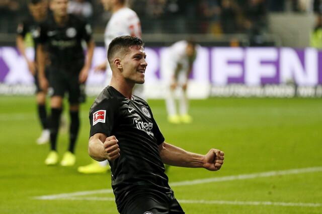 Szalony mecz w Bundeslidze. Serbski talent powtórzył wyczyn Lewandowskiego