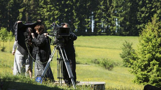 """Autorką zdjęć do filmu Agnieszki Holland """"Pokot"""" jest Jolanta Dylewska (w środku)"""