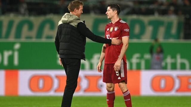 Trener pochwalił Lewandowskiego. Został zaatakowany przez byłego agenta piłkarza
